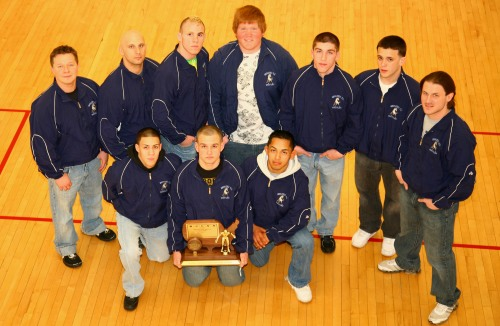 wrestling-team-takes-third-032709